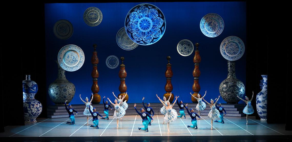 Pünktlich zur Adventzeit bringt das chinesische Nationalballett seine eigene farbenfrohe Nussknacker-Version in einer Österreichpremiere auf die Bühne des Festspielhauses St. Pölten.