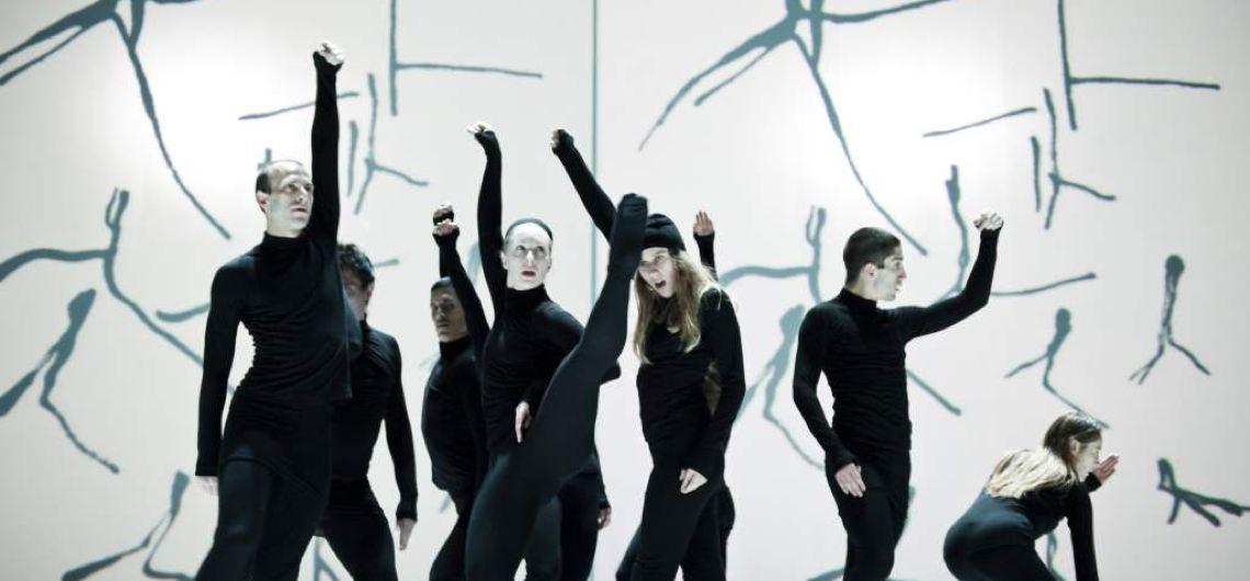 Mit zwei fulminanten Performances der Companie Marie Chouinard und des Tonkünstler Orchesters Niederösterreich zelebriert das Festspielhaus St. Pölten sein 20-jähriges Jubiläum. © Sylvie-Ann Pare
